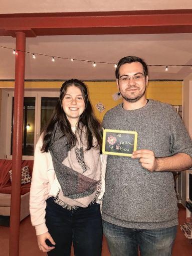 """Jasmin Gemmert und Felix Kohler gehören zu den vier Verantwortlichen der """"Yellow Box"""". Sie freuen sich bereits auf den morgigen Quizabend mit vielleicht neuen Besuchern. Foto: Rolf Rombach"""