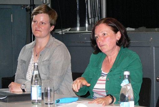 Die Referentinnen Anja Ebner und Gisela Schleidt vom Kreisjugendreferat    Foto: Anita Indri-Werner Foto: Die Oberbadische