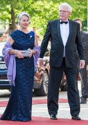 Der bayerische Wirtschaftsminister Martin Zeil und seine Frau Barbara. Foto: dpa