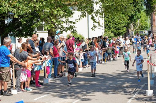 Über 2300 Runden rannten die Grundschüler beim Sponsorenlauf der Max-Metzger-Schule.    Foto: zVg Foto: Markgräfler Tagblatt