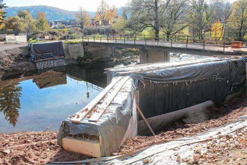 Wenn alles klappt, soll die neue Konstruktion  für die Wiesebrücke bis zum Jahresende verbaut werden. Foto: Anja Bertsch
