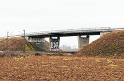 Die Straßenüberführungen Kleinfeldele (Foto) und Fischerpfad werden abgerissen und neu gebaut. Foto: Saskia Scherer