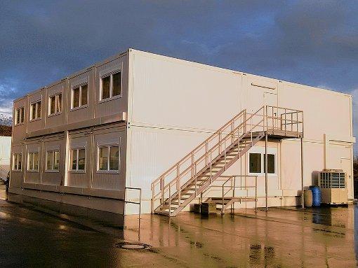 Das Containerdorf an der Keßlergrube ist mittlerweile fertiggestellt. Nun steht die Inneneinrichtung an.  Fotos: Roche Foto: Die Oberbadische