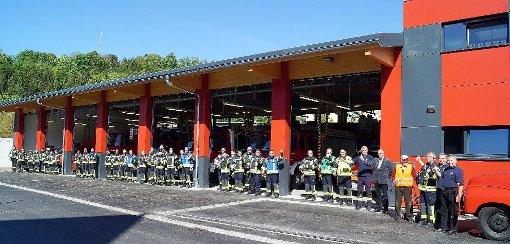 Am Samstag ist die Kanderner Feuerwehrabteilung in das wieder aufgebaute und erweitere Feuerwehrgerätehaus im Papierweg umgezogen.      Foto: Silke Hartenstein Foto: Weiler Zeitung