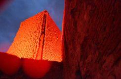 Impressionen von Klaus Kipfmüllers Kunstprojekt Red Balloon: The Tower auf Burg Rötteln. Foto: Veronika Zettler Foto: anl