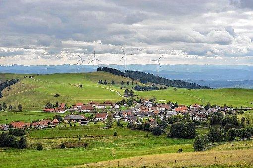 Der geplante Windpark Hasel am Glaserkopf geht in die entscheidende Genehmigungsphase.    Projektion: EnBW/ED Foto: Markgräfler Tagblatt