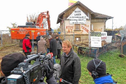Gerhard Kaiser wird vom SWR interviewt.    Foto: Dorothee Philipp Foto: Weiler Zeitung