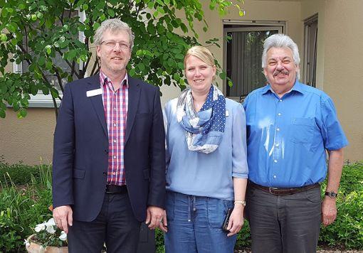 Tilman Steinmann,  Jennifer Benz  und  Alfred Schlachter, Prüfer der Heimverzeichnis gGmbH   Foto: zVg Foto: Die Oberbadische